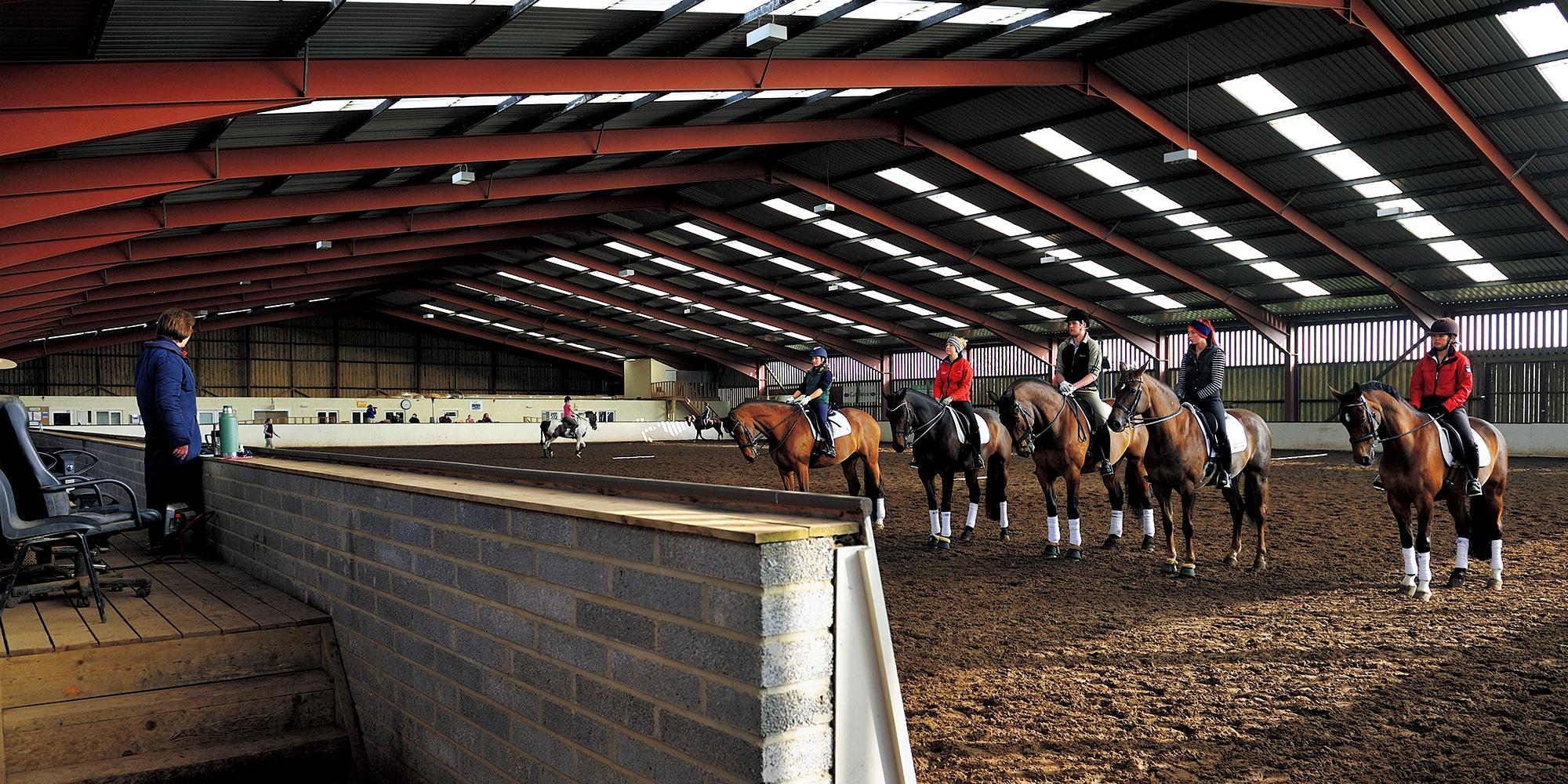 憧れの英国乗馬を学ぶ 01_ターランド乗馬学校