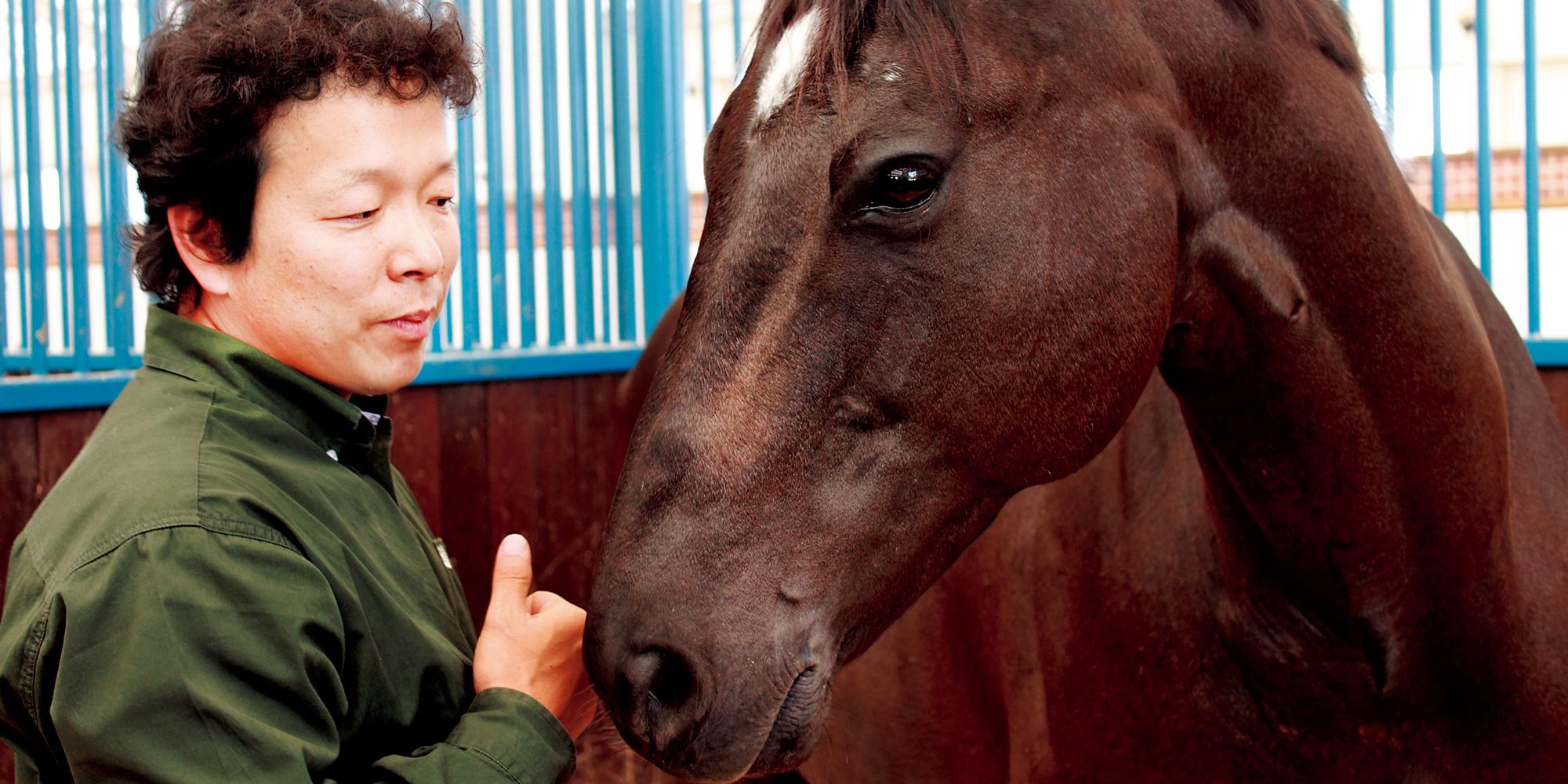 ホースクリニシャン・宮田朋典氏の共生メソッド03_厩舎での馬へのアプローチ